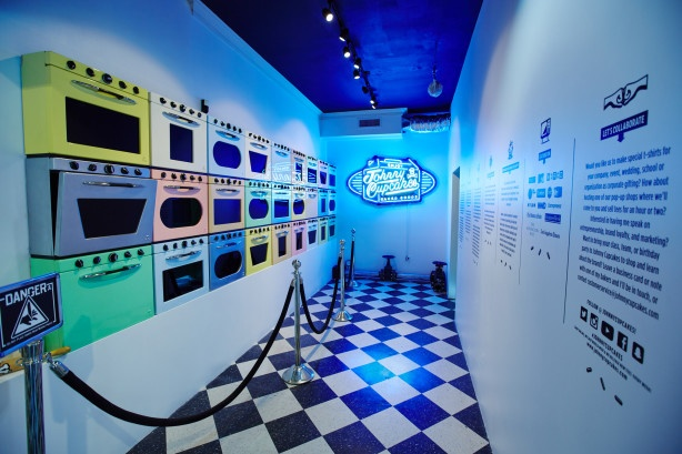 Johnny-Cupcakes-Boston-279-Newbury-Street-oven-wall-614x409.jpg