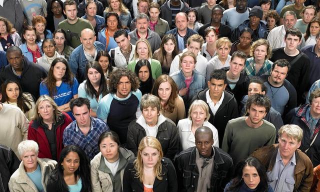 Large-crowd-of-people-014.jpg