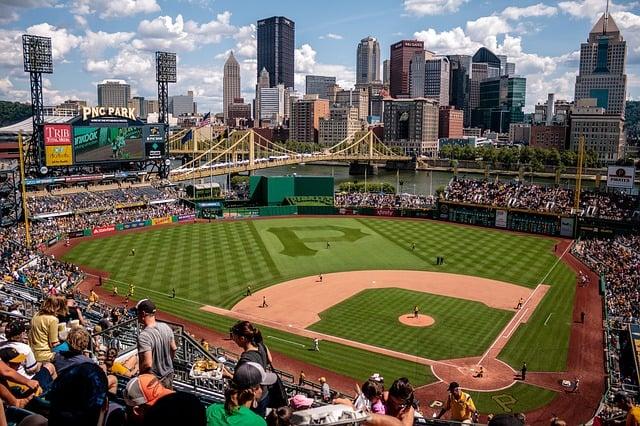 B2B social media advertising tips - baseball field
