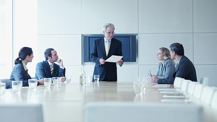 how to sell inbound marketing to ceo - board meeting